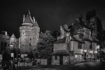 Perso | Vitré by night | Château et auberge