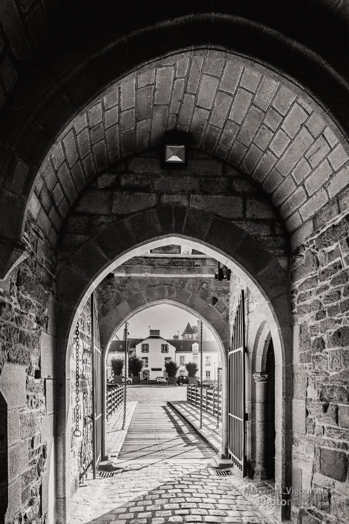 Perso | Vers le pont-levis | Vitré